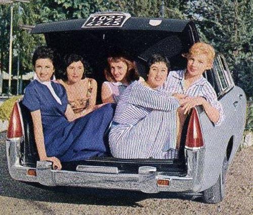 Mycket mera damer ryms i bagaget på Lancia Flaminia