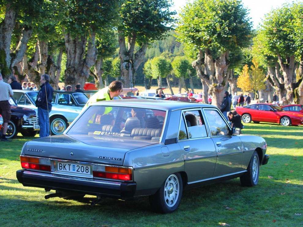 Lyxkryssaren 604 från Peugeot.