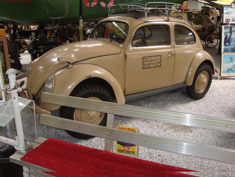 VW Bagge 82E. En av 667 byggda 1943. En tidig SUV på Auto & Technik MUSEUM SINSHEIM