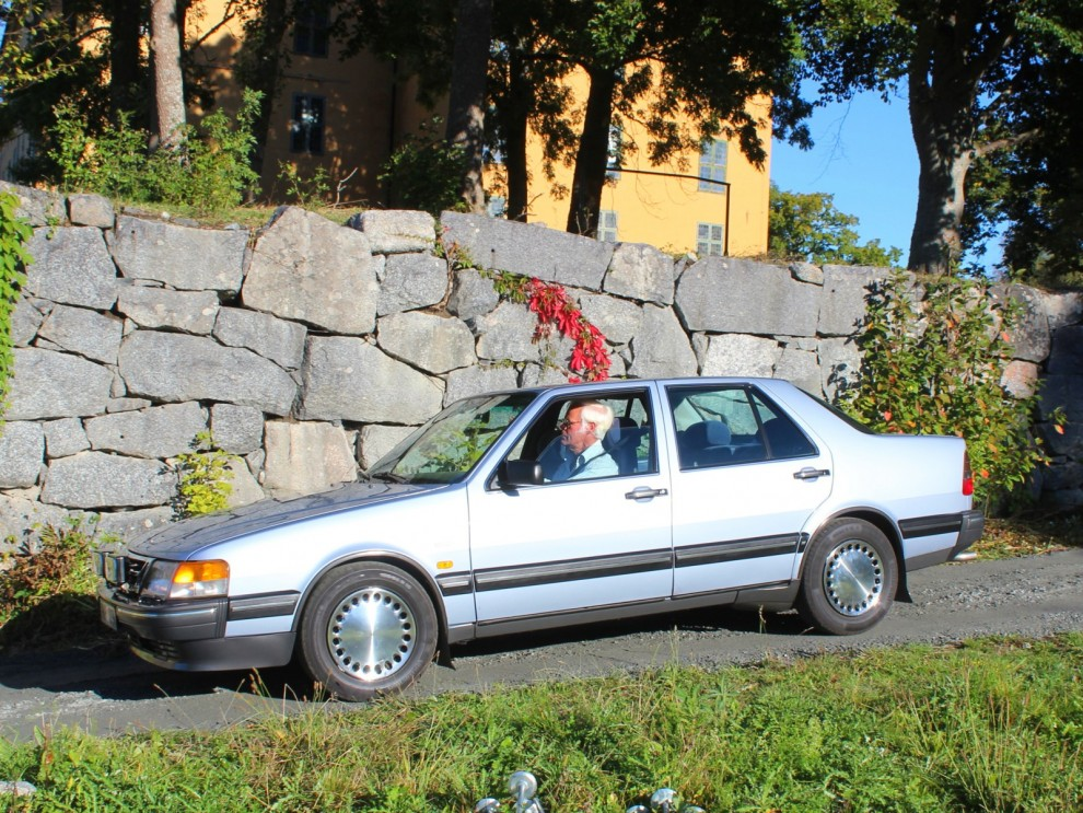 När såg ni en så här prydlig Saab 9000CD sist?