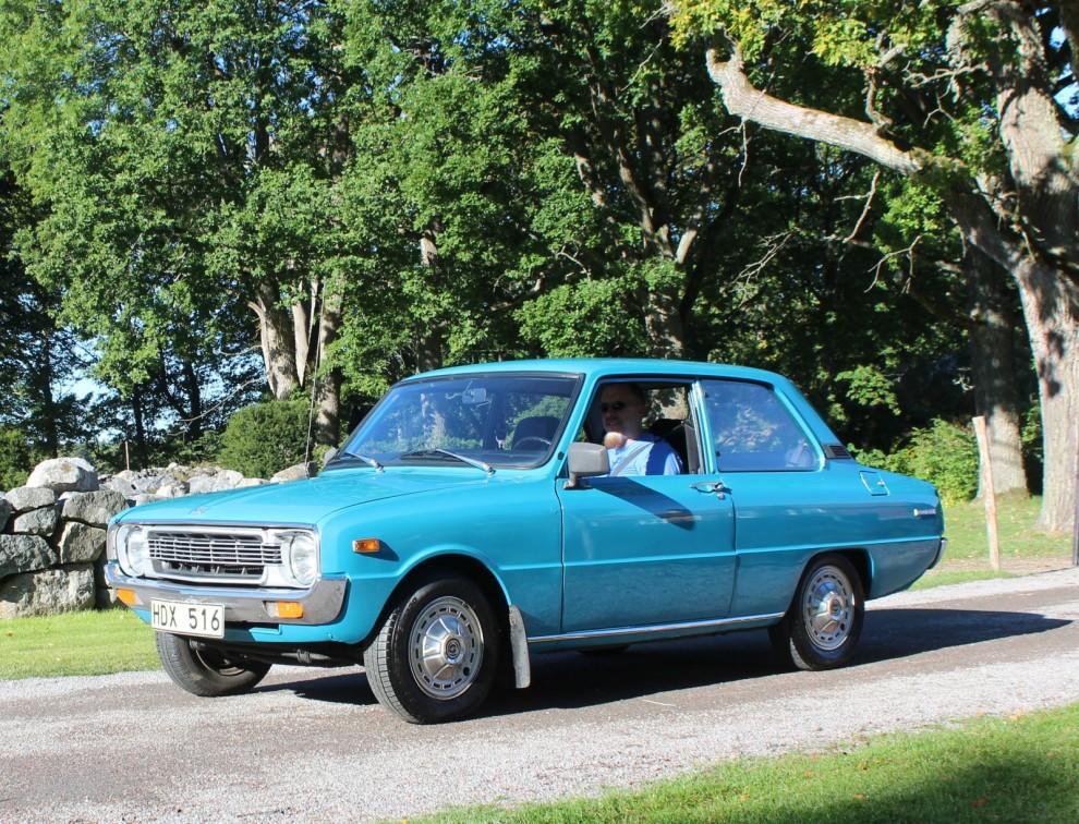 Mazda 1300 från 1975 som dessutom var till salu