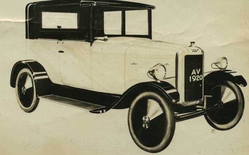 Avro välkänd flygplanstillverkare försökte sig på att bygga landbundna fordon efter första världskriget. En ganska välbyggd liten 10 hästarsbil presenterades 1920 men inte många exemplar gjordes innan Avro sålde rättigheterna till Crossley.