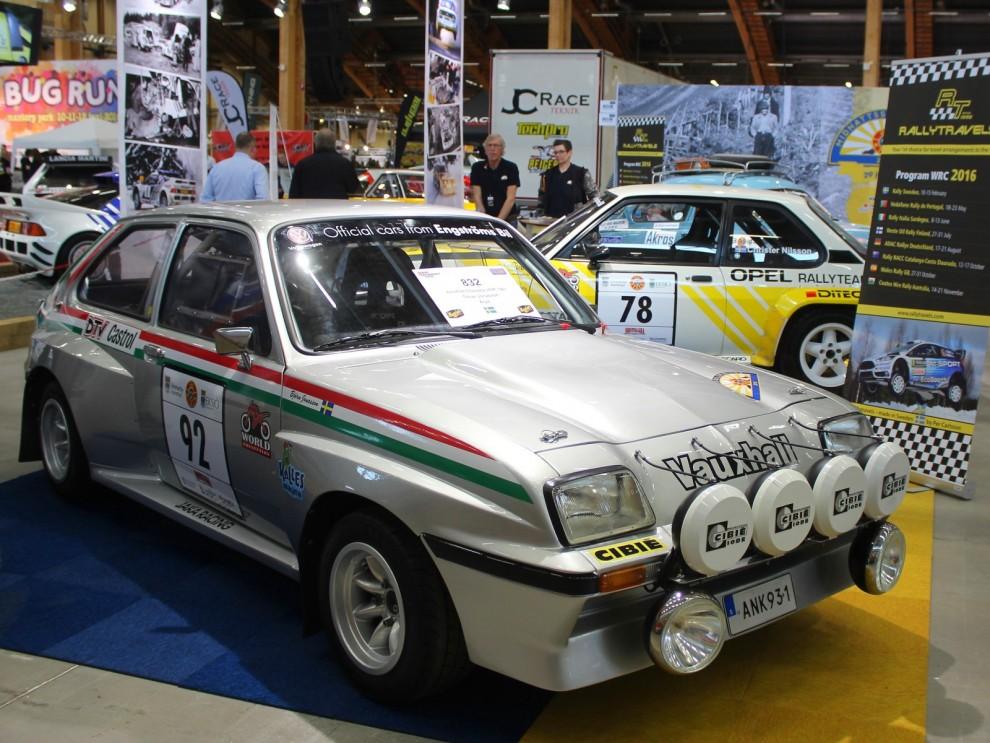Lite beskedligare bilar i Midnattsolstrallyts monter. Vauxhall Chevette i klassisk stil. Rallyt körs i år runt Vimmerbytrakten helgen r 29:e juni-2:a juni