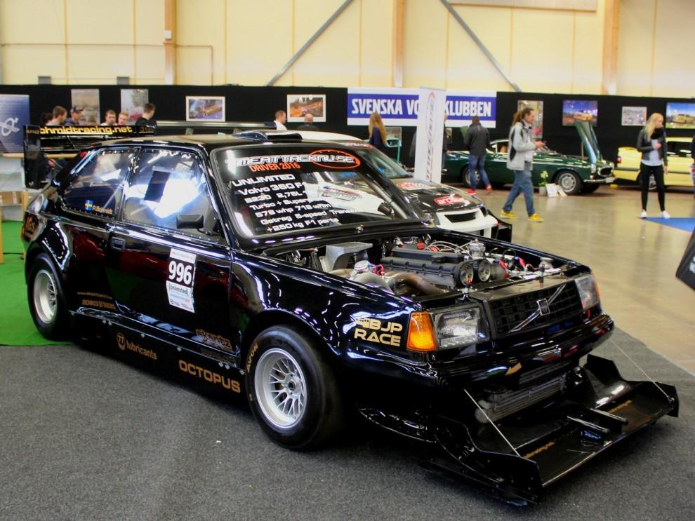 Så här tuff kan en Volvo 360 bli i racerkostym.