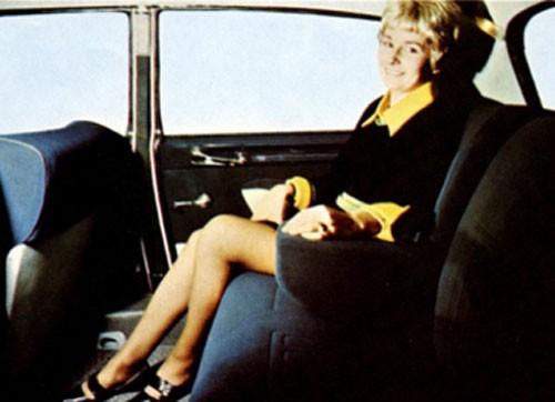 Från Frankrike, Citroën DS, med ett av de mest komfortabla baksäten som någonsin gjorts