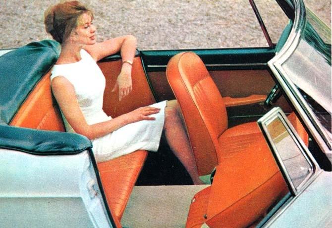 Luftigt och bekvämt i Peugeot 404 cabriolet.