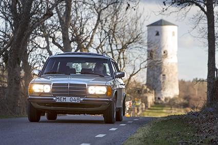 Mercedes 200T på resa i Östergötland