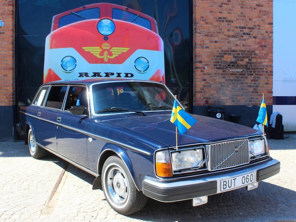 264TE:en tillhör Volvomuseet, men fick denna dag flytta upp och stå på paradplats vid Saabmuseet.