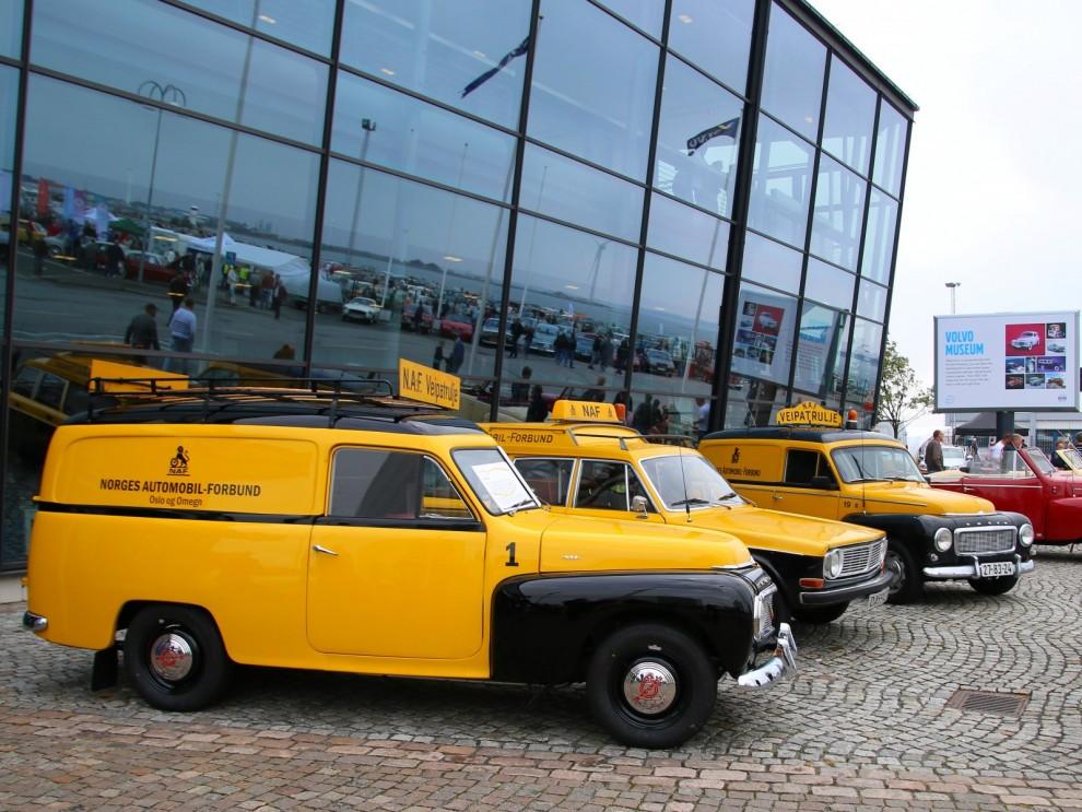 Finbesök från Norge. Servicebilar i gammal anda från Norges Automobilförbund, deras motsvarighet till Motormännen.