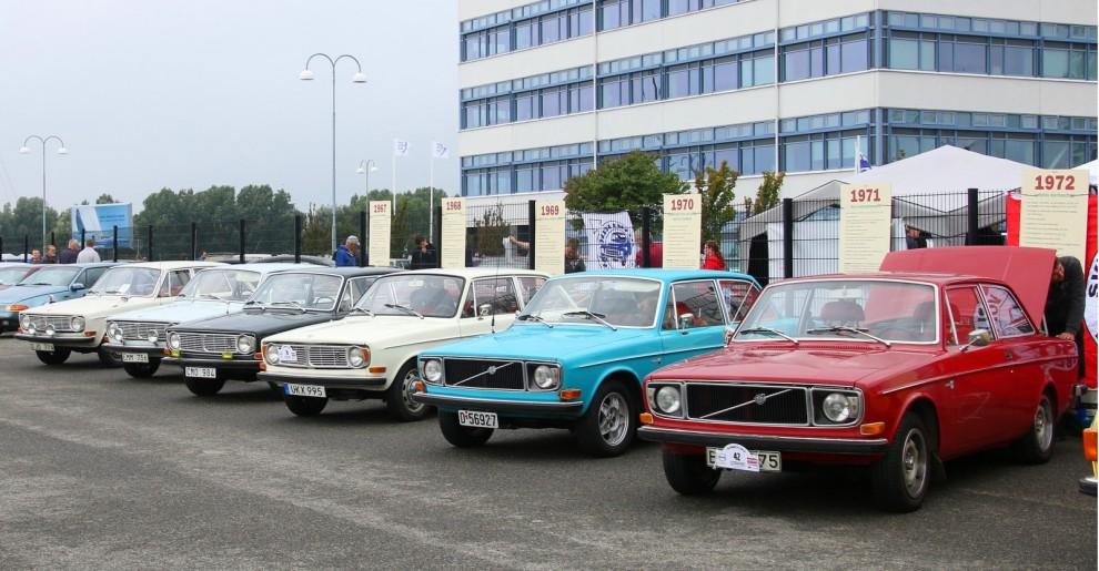 Tio år efter Amazonens premiär kom en radikalt ny modern modell från Volvo, den hette 144 och fyller alltså femtio år i år!