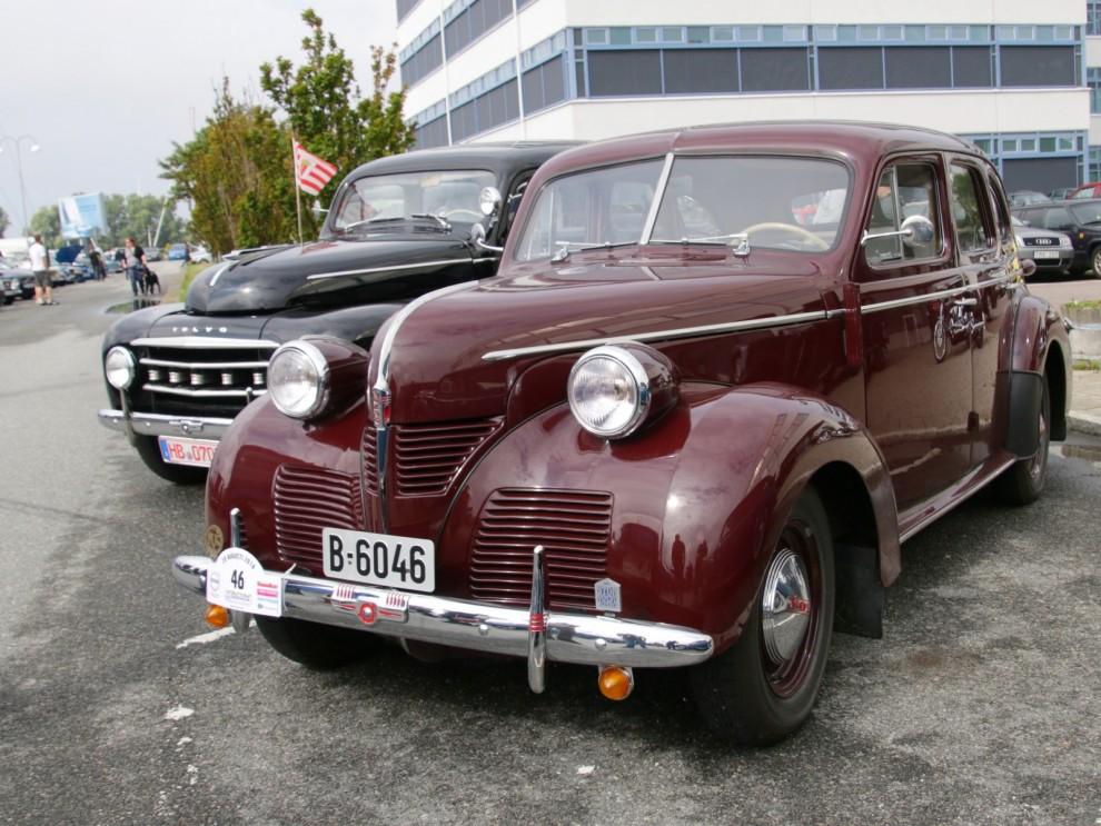 Volvo PV60, arbetet med nya storvolvon hade börjat 1939 men kriget kom emellan. En bil visades upp redan 1944 men kriget pågick ännu och produktionen kom inte igång förrän sent 1946. Så grattis PV 60, 70 år!
