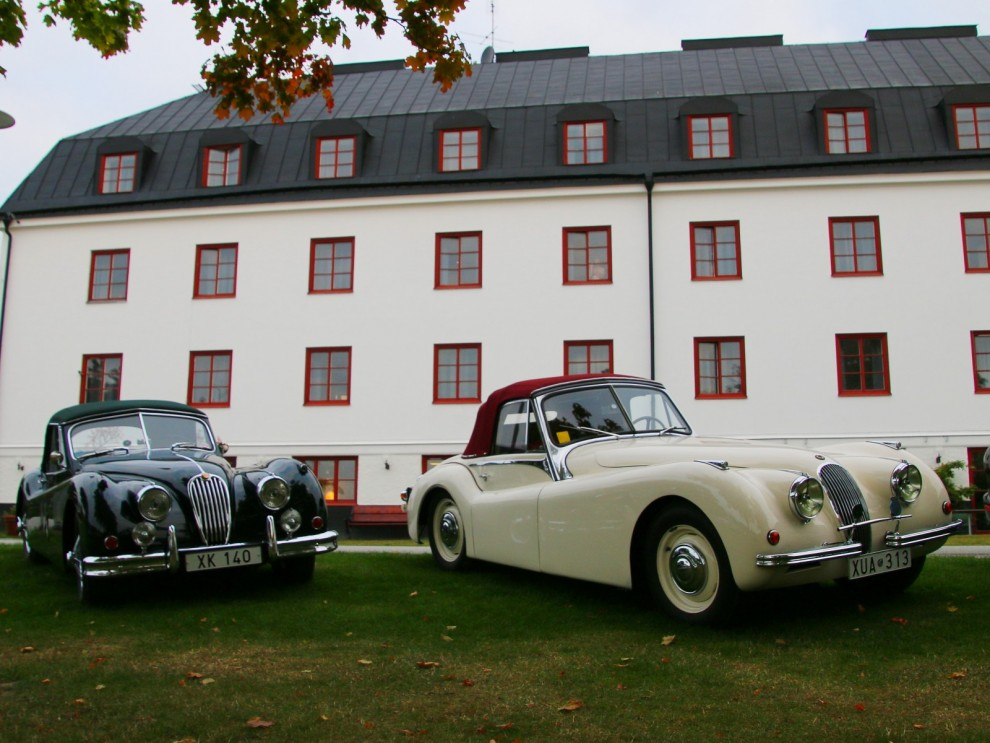 Jaguarklubben anlände redan kvällen före och hängde bokstavligen på låset.