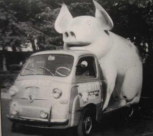 Sist men inte minst, vi kan ju inte undanhålla er Zoovits bisarra reklambil som Boneschi skapade åt dom 1959!