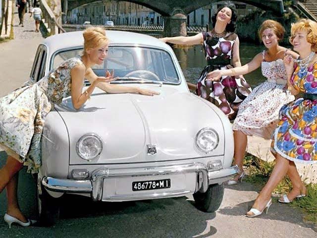 Det här är en Alfa Romeo Dauphine, 1959 till 1964 byggdes Dauphinen på licens i Portello, Italien.