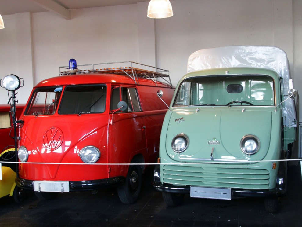Tysktransporter, Volkswagenbuss och DKW F800 Schnellaster.