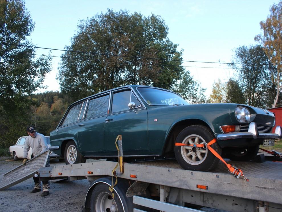 Vi börjar med att bilen hämtades i Hindås, för att parkeras i Härryda innan den togs ner till garaget i Landvetter