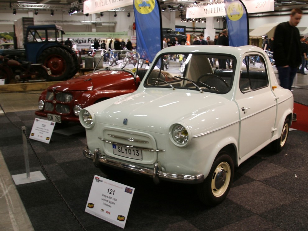 Vespa 400 såldes i drygt 40 exemplar i Sverige, och även om Vepsa är förkippat med Italien så byggde dom bilarna i Frankrike.