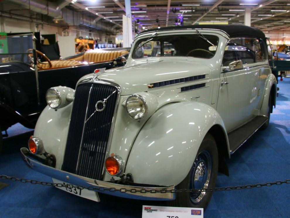 1937 representerades av denna fina PV51 med kaross från Nordbergs.