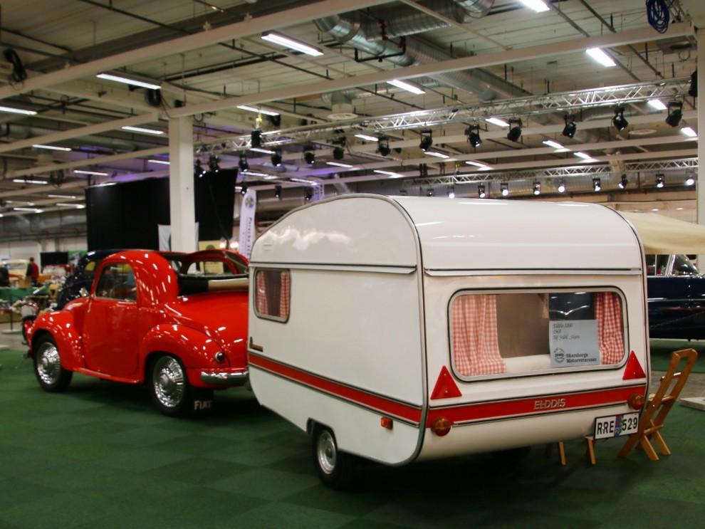Husvagn för minisemester, Elddis 122 dragen av en lika liten Fiat 500C