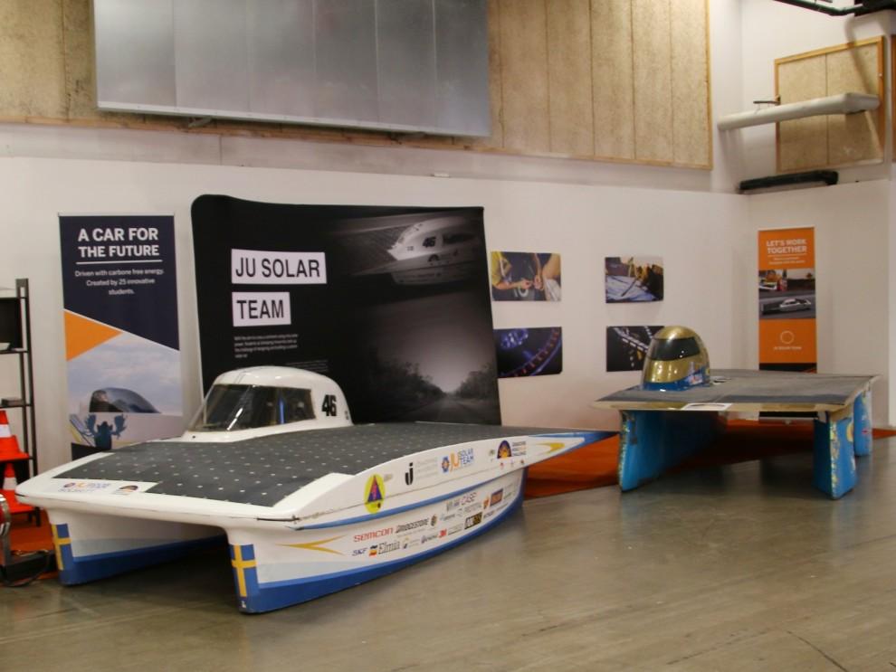 Motorsport finns det i alla varianter på Elmia, här en av de mer okända grenarna, solcellsracing. Vartannat år arrangeras det ett långlopp i Australien för solcellsdrivna bilar. Svenska Ju Solar Team skall köra årets upplaga.