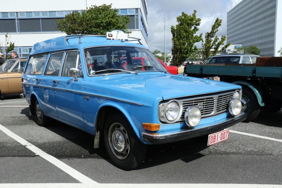 Volvo 145 Express som varit servicebil hos en belgisk Volvoåterförsäljare.