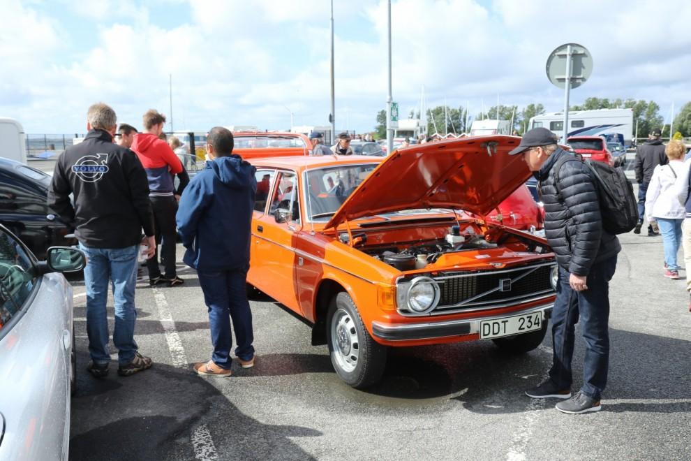 Volvo 145 som enbart rullat 177 mil och stått i samma garage sedan 1973.