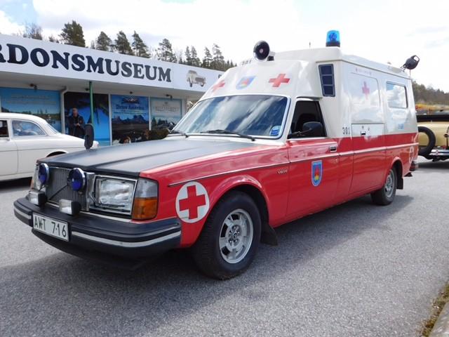 Volvo 265 Ambulans