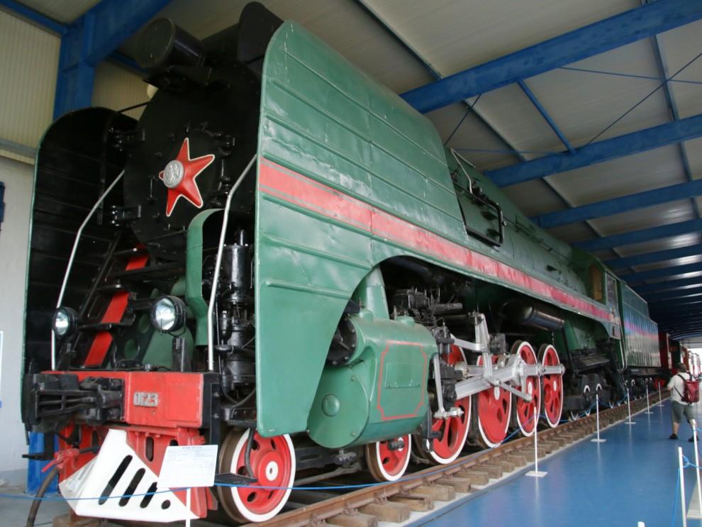 Enormt sovjetiskt ånglok från 1955. P36 var sista serien av ånglok från Sovjet, en bjässe på 260 ton.