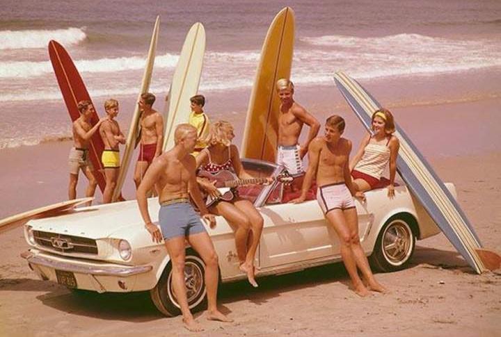 1965 var hetaste bilen på stranden nya Ford Mustang.