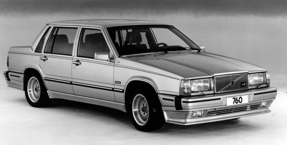 700-serien blev inte mindre kantig av Theis K1 stylingpaket.
