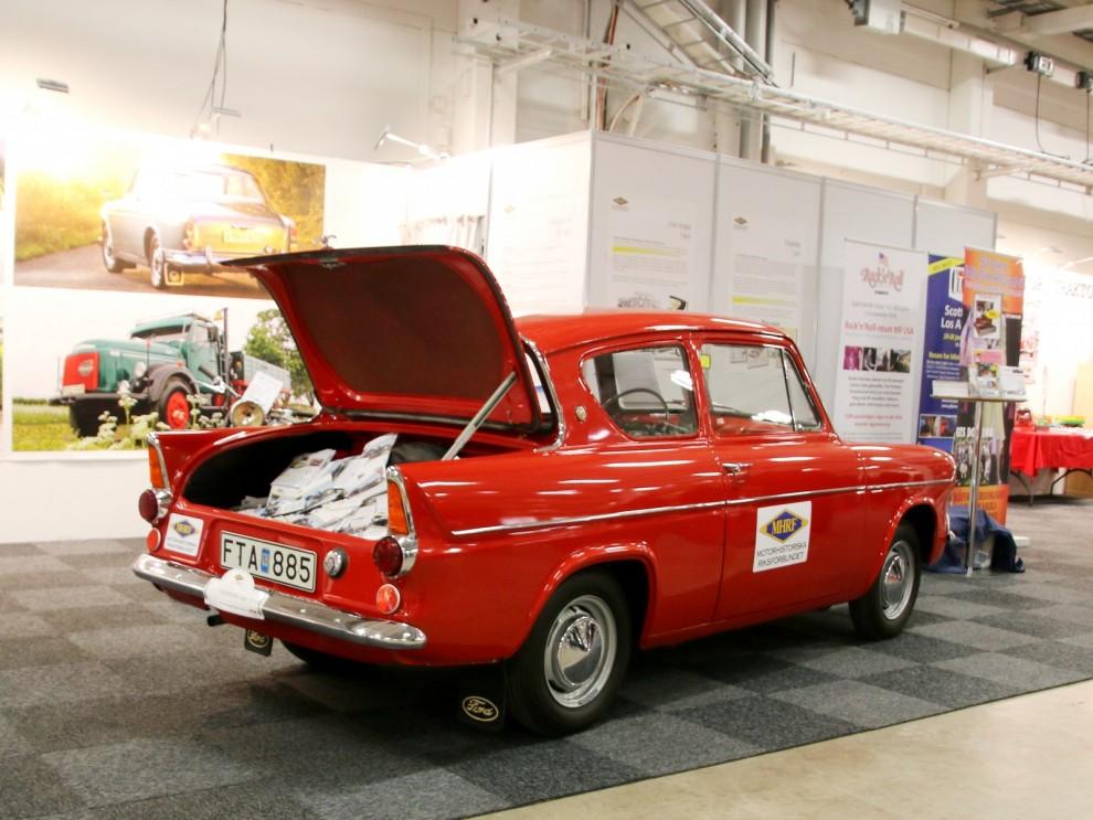 MHRF hade en Ford Anglia som broschyrställ.