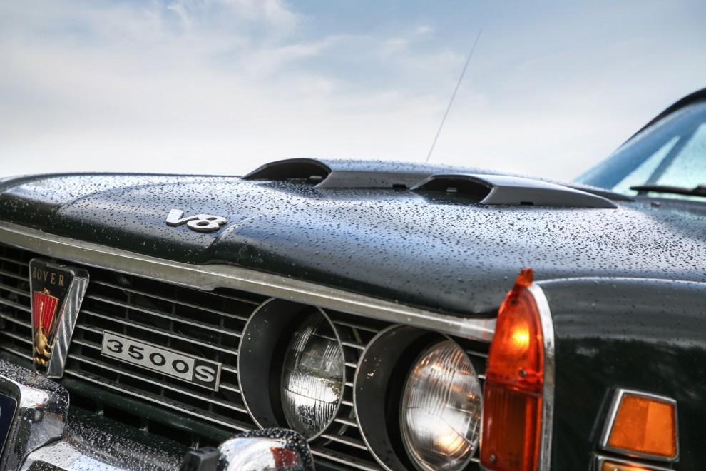 Det är många specialdetaljer som skiljer USA-Rovern från de europeiska.