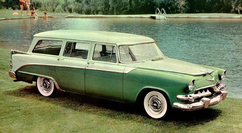 Under femtiotalet kallade Dodge sina stationsvagnar för Sierra. Här Custom Sierra wagon 1956.