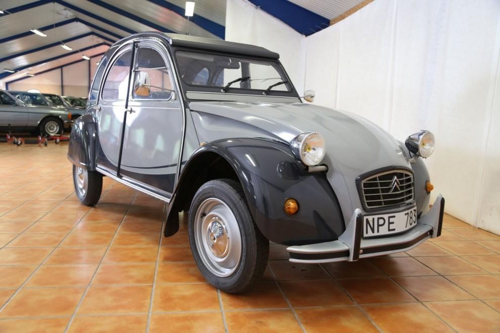 I princip okörd Citroën 2CV Charleston.