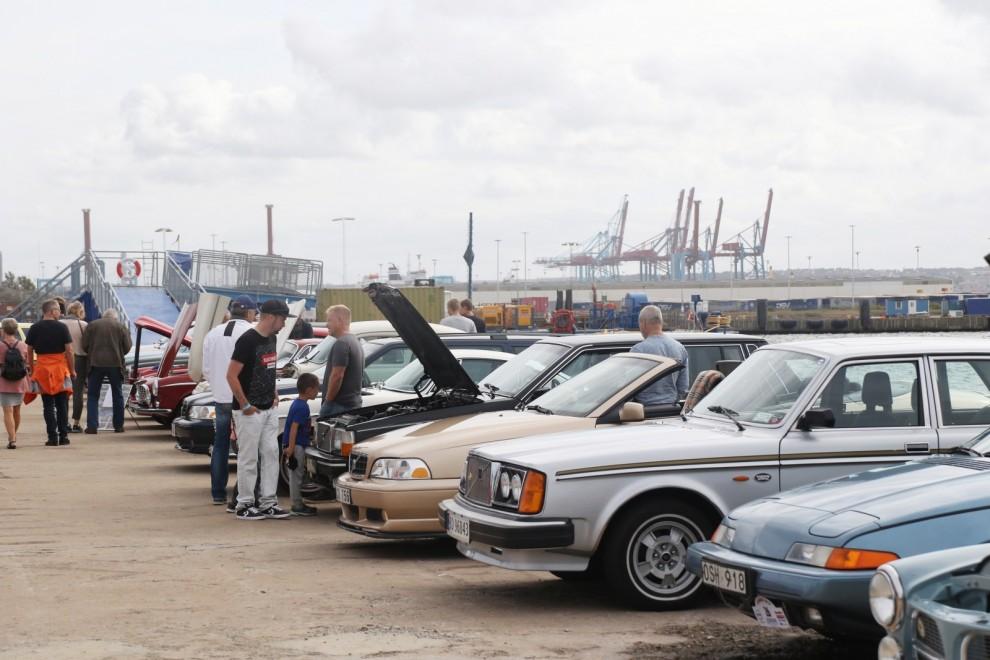 Omkring 500 bilar kom till söndagens utställning utanför Volvo Museum.