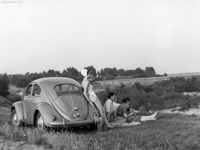 Badkläder på, men var är vattnet?  Volkswagen 1955