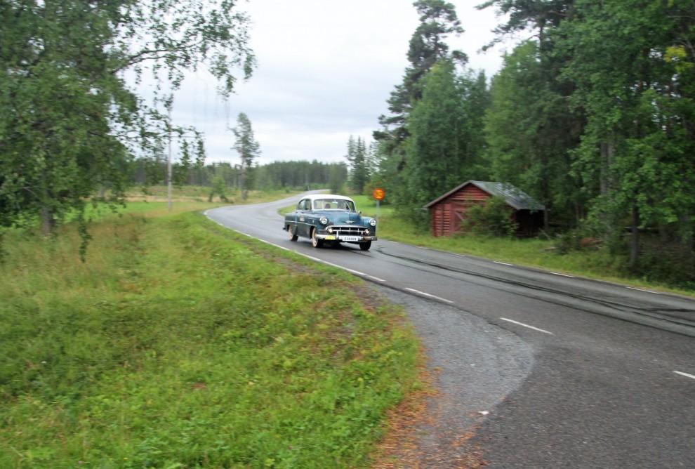 Rallyt gick i vanlig ordning längs mindre vägar. Det kom någon skur men Plan 53 har åter två torkare trots spillran till värdelös människa som snodde den ena i Västerås.