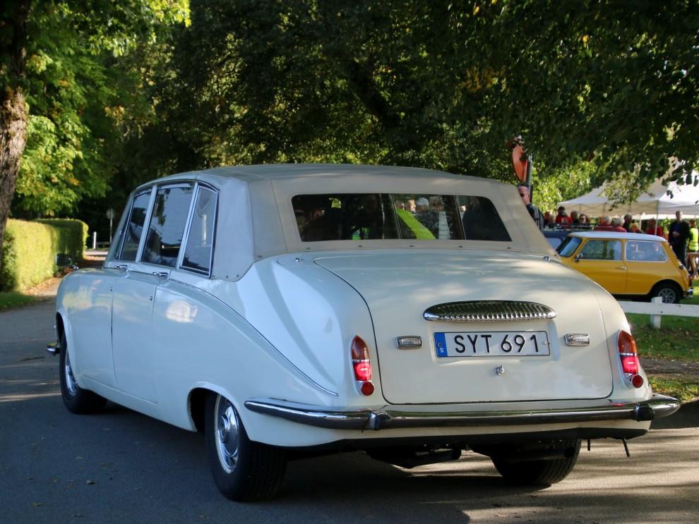 Störst på Hofsnäs denna dag,  Daimler DS420 landaulet.