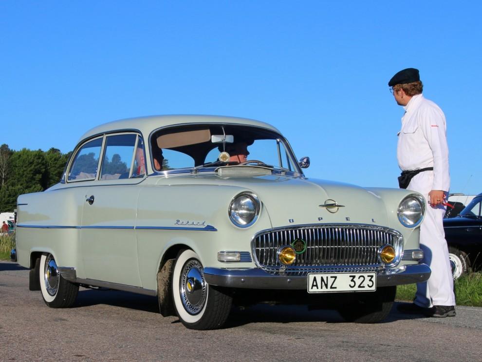 Opel var ett betydande inslag i femtiotalstrafiken, man låg stadigt på 2-3:e plats i statistiken med Volvo och Saab.
