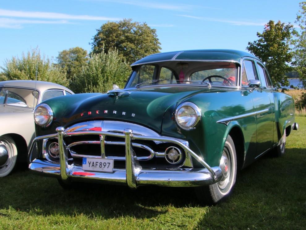 Packard 200, 1951