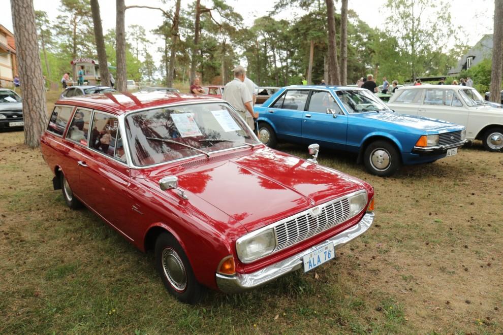 Ford Taunus Turnier P5 1965, Turnier var namnet på herrgårdsvagnsversionen.