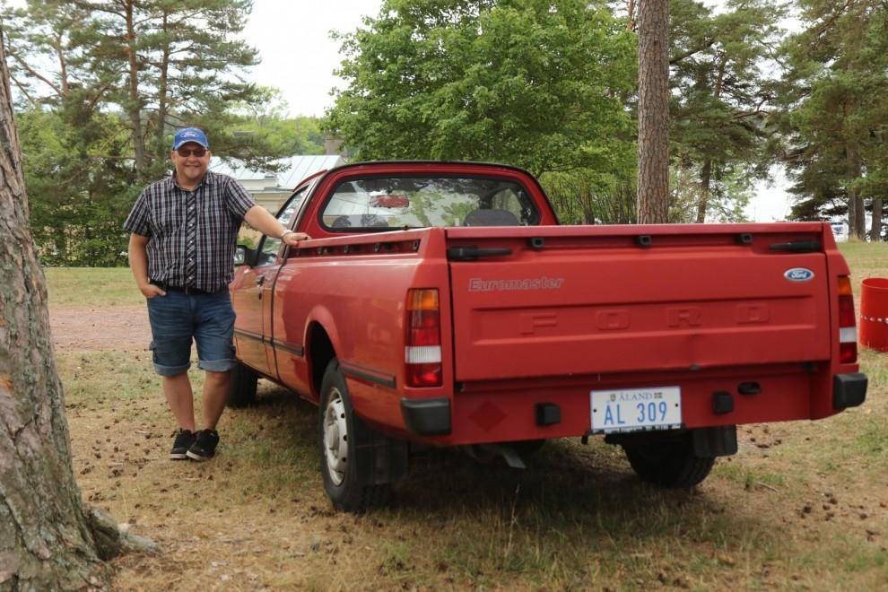 Kristoffer Karlsson kom med sin Ford P100 1990. Vad är nu det? Jo, en pickupversion av Sierra!