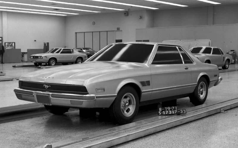 Runt 1971 var det dags att skynda sig göra färdigt Mustang II som skulle komma som 1974 års modell.  Ett förslag som närmast för tankarna till senare Lancia Gamma coupé