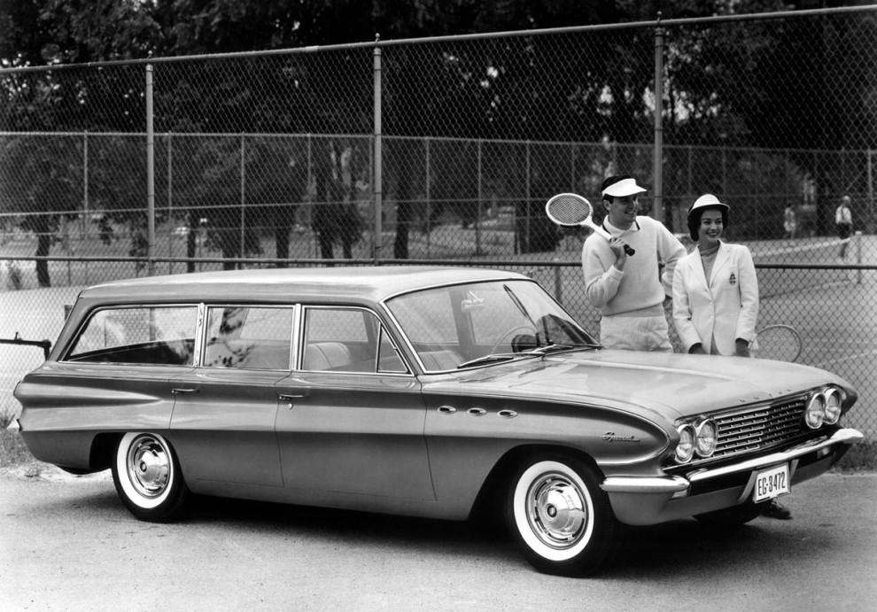 Buick Special var speciell när den kom 1961,  liten aluminium V8, och ny självbärande kaross i nytt format.  1962 gick den även att få med V6:a,  något mycket ovanligt då.