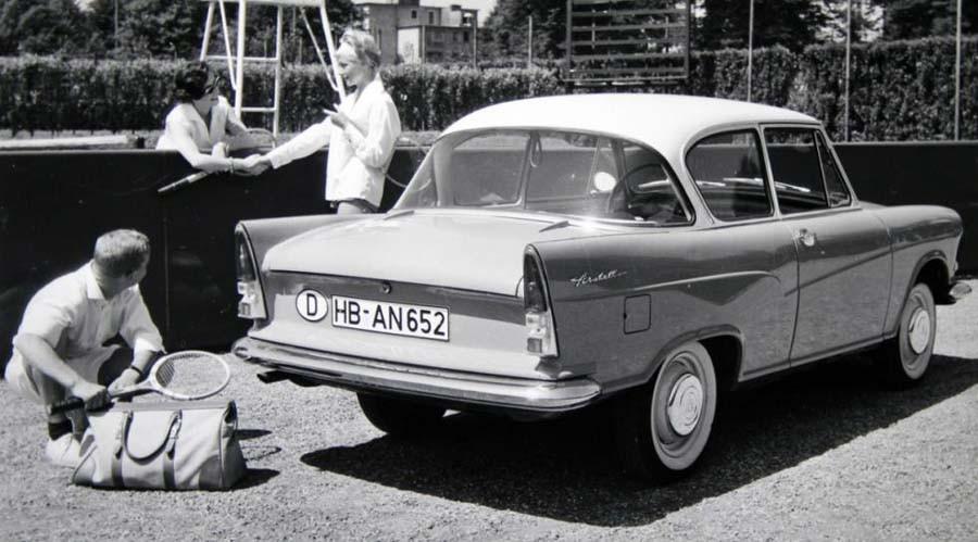 Lloyd Arabella blev aldrig den framgång Borward hade hoppats på, när man lät Lloyd ta klivet upp till en vanlig småbil. DEn kom dock att byggas fram till 1963, men de sista två åren under Borgwards namn.
