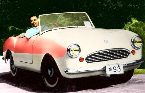 Tidigt trevande försök till en sportbil från Japan.  Datsun A80X från 1957 växte till sig lite och blev Fairlady