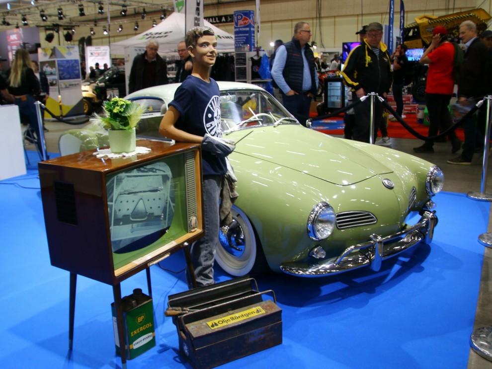 Karmann Ghia i nostalgisk display