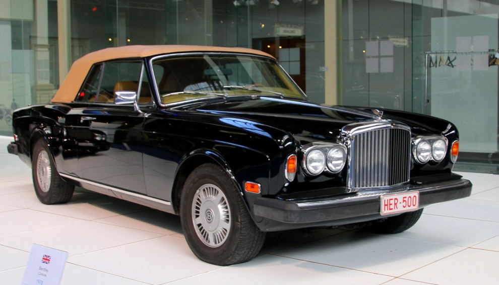 Modernare tider , Bentley Corniche cabriolet från 1978.  Dessa år gick Bentley kärftgång i skuggan av Rolls-Royce.  Man byggde bara 77 stycken av dessa, på 13 år.