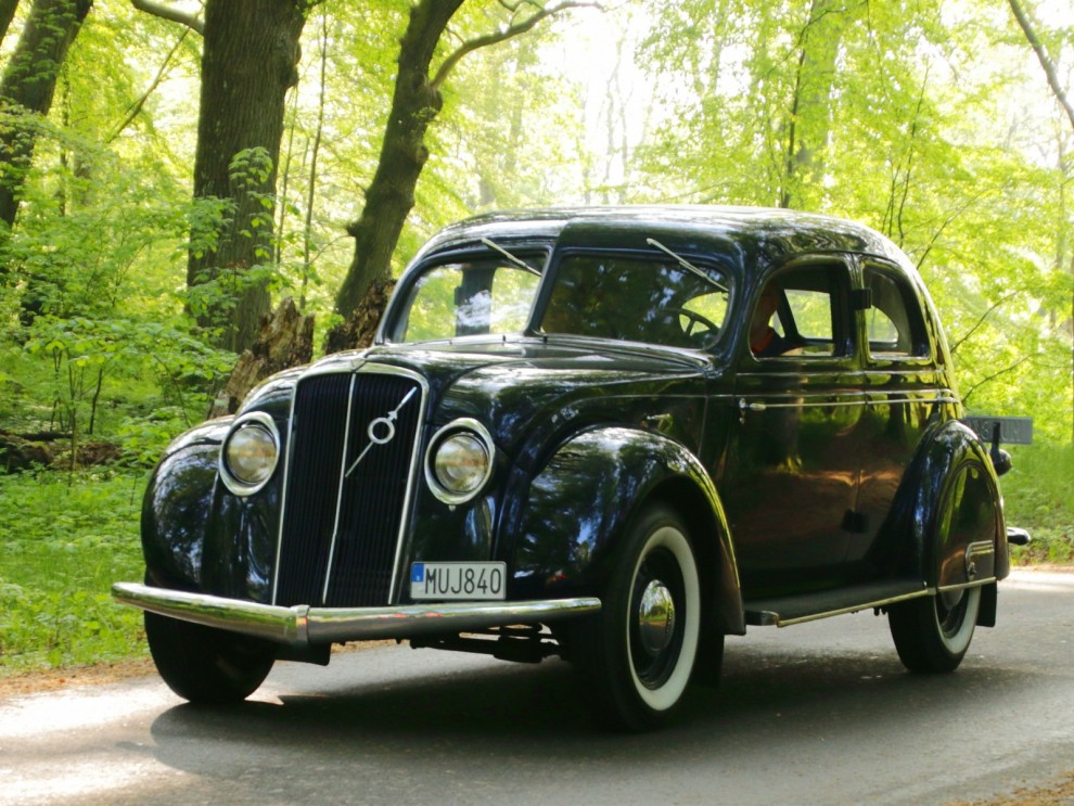 Volvomuseet kom med några intressanta bilar ur samlingen,  bland annat denna PV36 Carioca.
