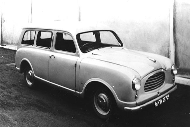 1953 försökte Jowett bredda sitt utbud med en ny modell, Jowett-Bradford CD gjordes som kombi och skåpbil i ett tiotal exemplar.